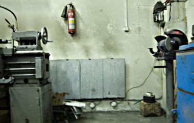 промышленные обогреватели Выбирая промышленные обогреватели для складских либо производственных помещений, важно учитывать следующие факторы обогревателя: Пожаробезопасность, надежность, влогозащищенность. С этими задачами отлично справятся кварцевые обогреватели ТермоКварц.